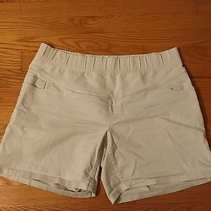 Medium Old Navy Maternity Shorts